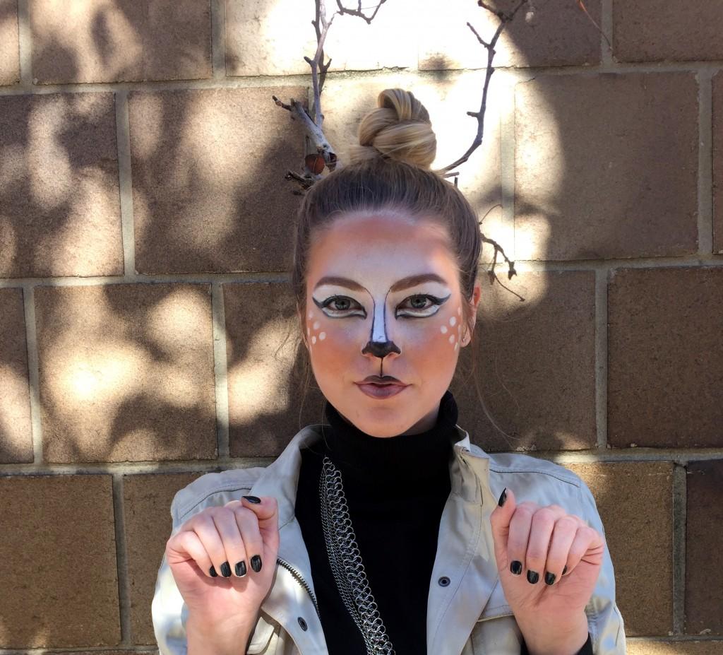 pink_neon_lips_Halloween_makeup