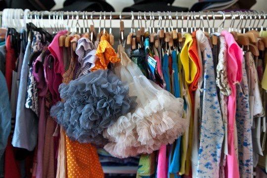 closet_cleanout_pink_neon_llips_style_blogger